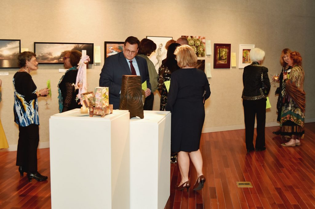 Guests enjoy the Art Auction at the 2019 Celebration of the Arts (HCAC photo)